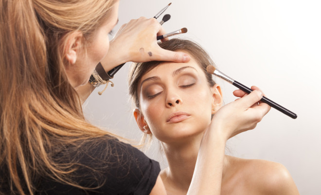 apply-makeup-like-the-pros
